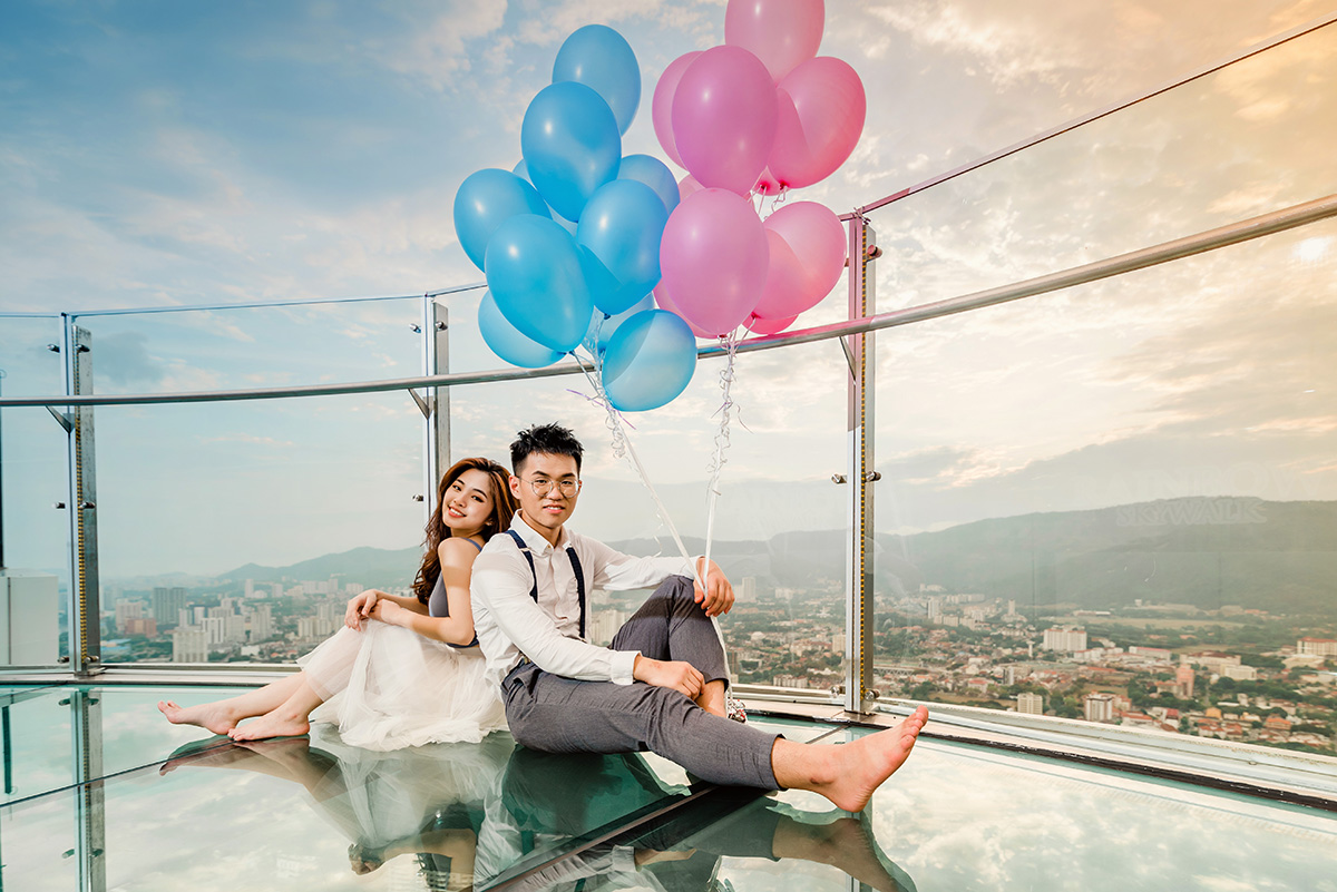 Penang Couple portraits photography in The TOP KOMTAR